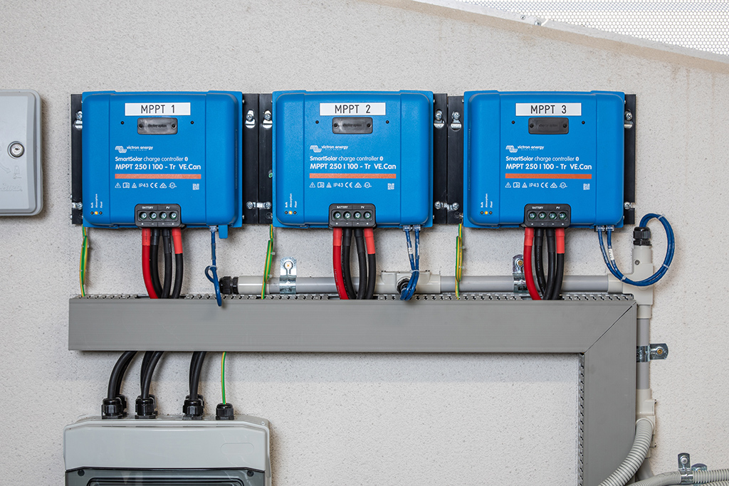 Victron SmartSolar MPPT Charge Controllers